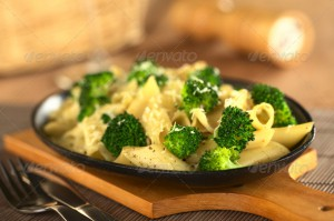 02178_Broccoli_Pasta_Metal_Plate_Horizontal_2
